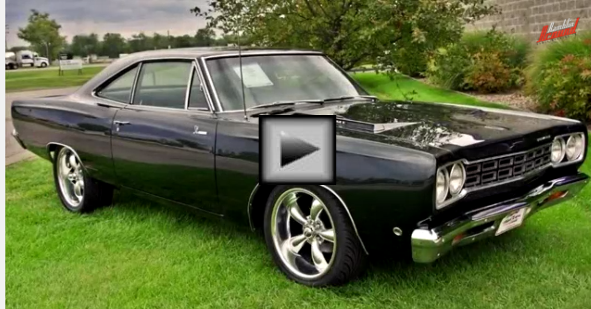 1968 Plymouth Road Runner 426 Hemi Mopar Muscle Car | HOT CARS