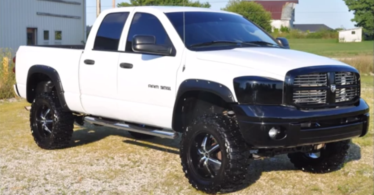 2007 CUSTOM DODGE RAM 1500 4X4 W HEMI AND LIFT