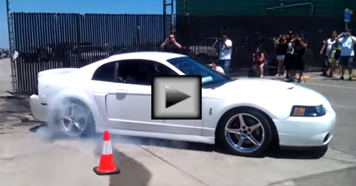 LOUD 678rwhp Kenne Bell Cobra donuts and Burnouts YouTube