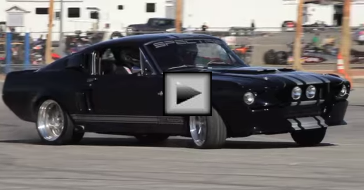 The NEW Classic Recreations 1967 Shelby GT500CR 900S american muscle car