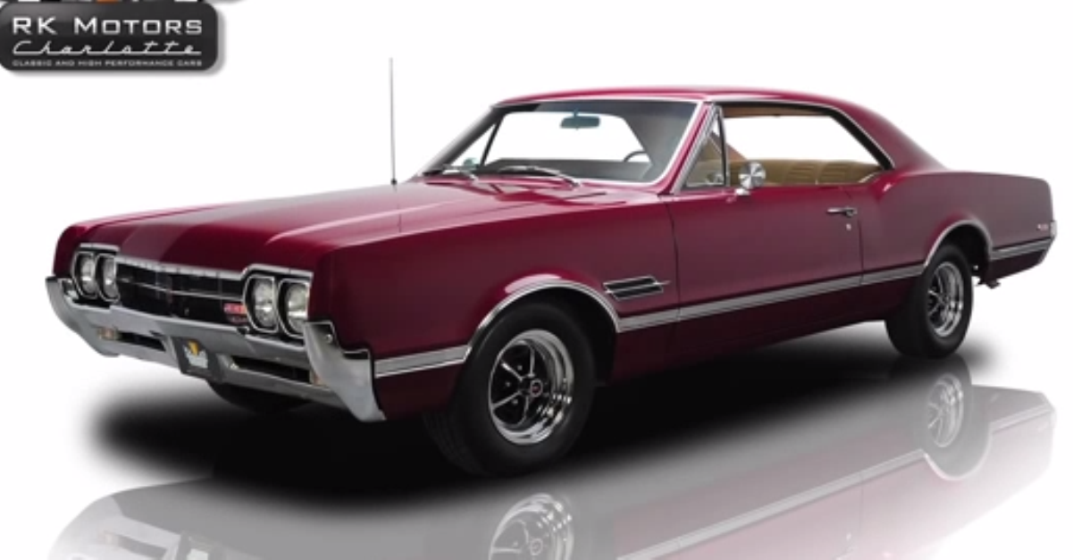 1966 Oldsmobile Cutlass 442 american muscle car