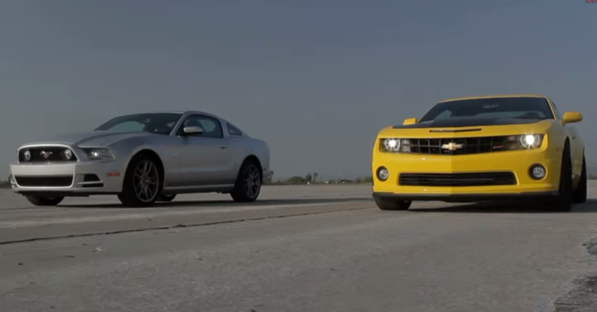 Chevrolet Camaro SS 1LE vs Ford Mustang GT Track Pack American muscle cars