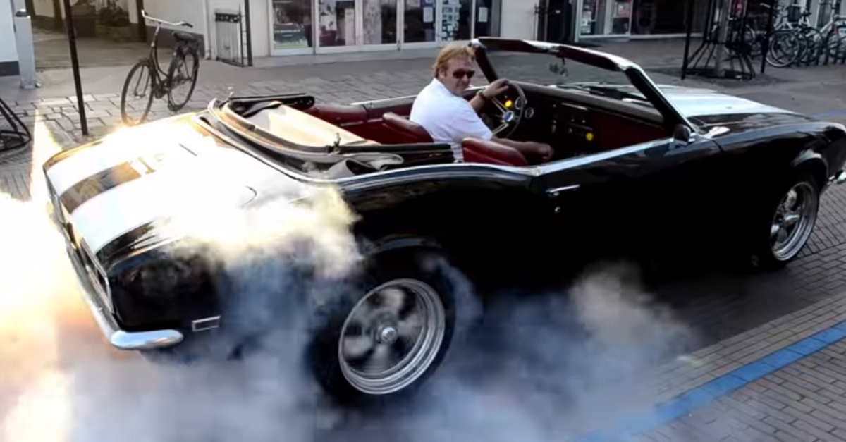 american muscle cars burnout