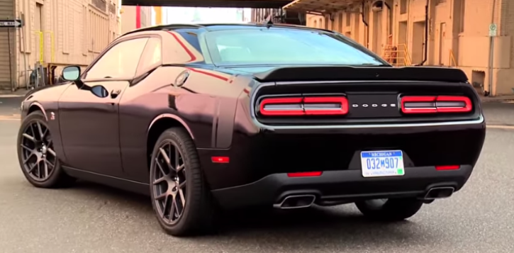 THE 2015 DODGE CHALLENGER SCAT PACK IN ACTION