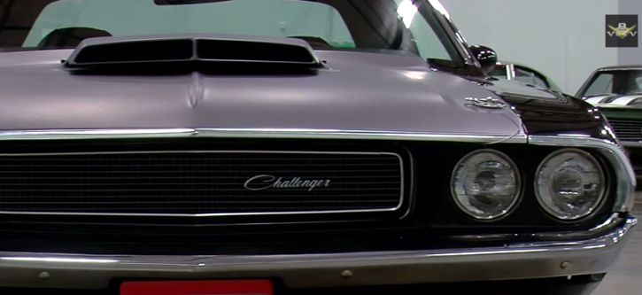 1970 dodge challenger TA muscle car