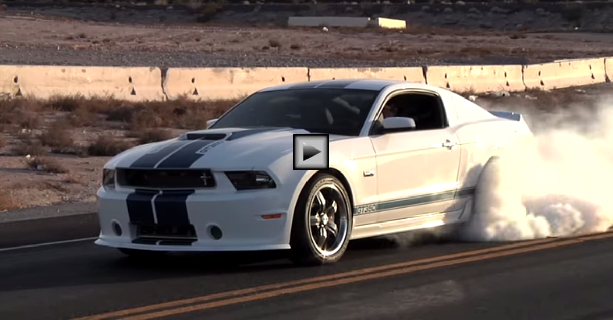 ford mustang shelby gt350 burnout