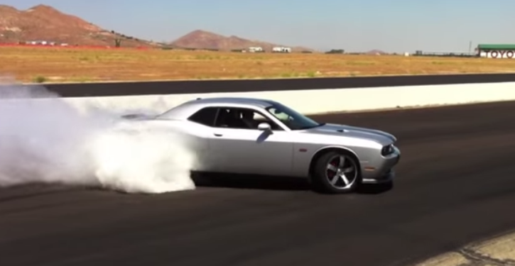 dodge challenger srt8 burnout