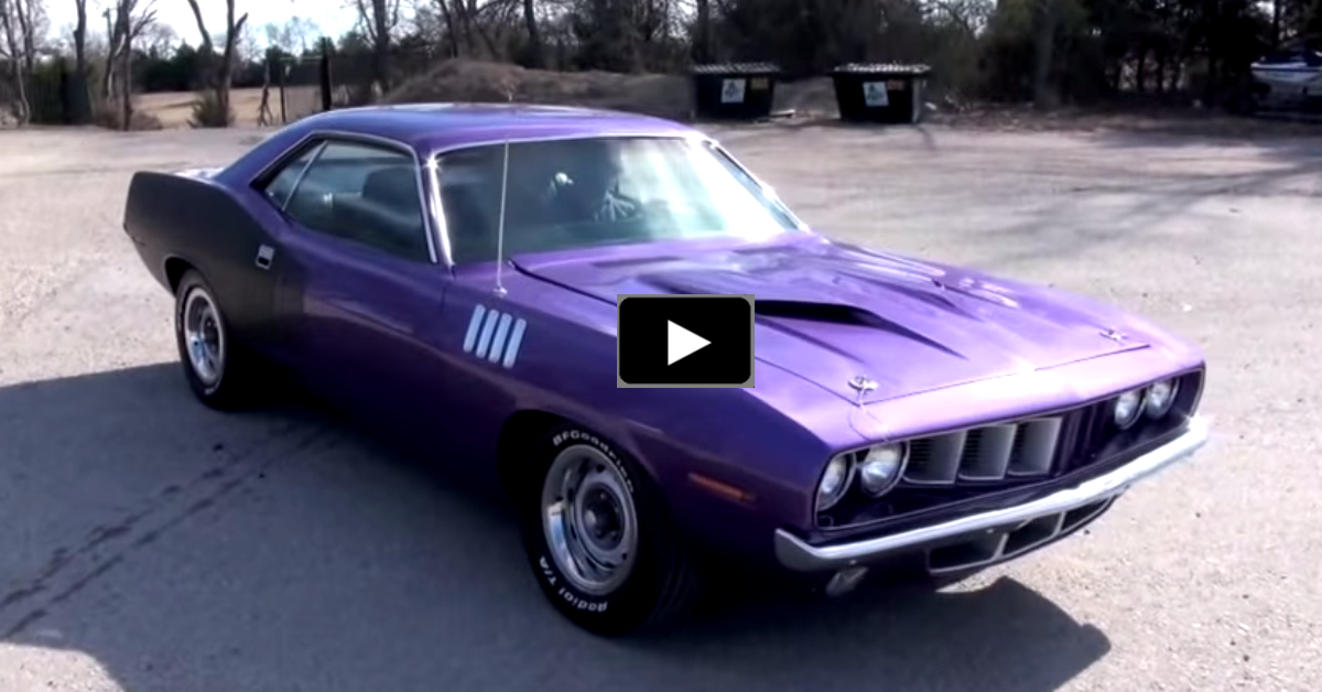 rstored plymouth cuda muscle car