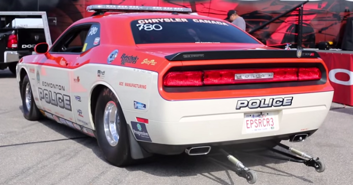 dodge challenger drag racing muscle car