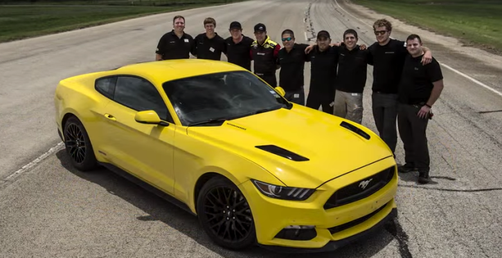 hennessey 2015 ford mustang hits 207 mph