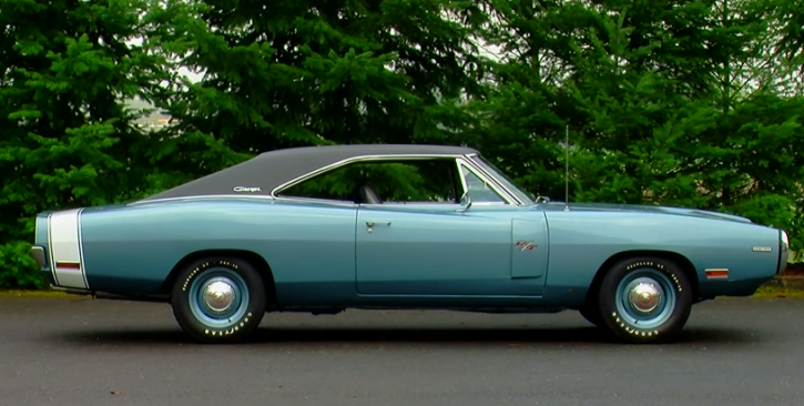 light blue metallic 1970 dodge charger rt 426 hemi