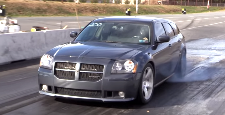 modified dodge magnum srt8