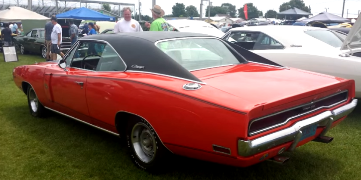 hemi powered 1970 dodge charger moon roof