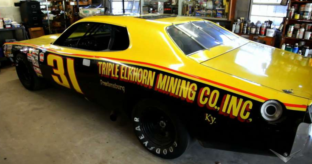 classic nascar 1974 dodge hemi charger