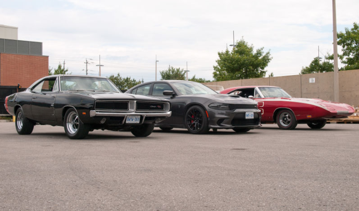 1969 hemi charger vs charger daytona vs dodge hellcat