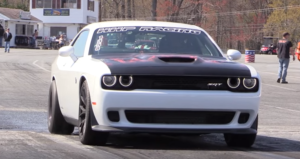 dodge hellcat challenger drag racing
