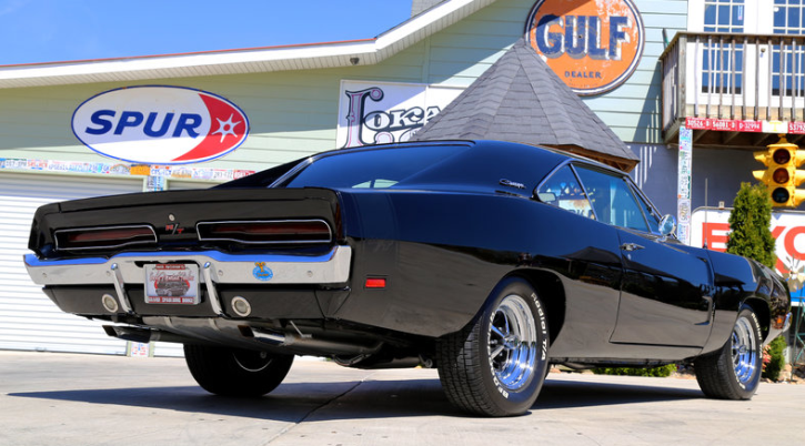 black on black 1969 dodge charger r/t