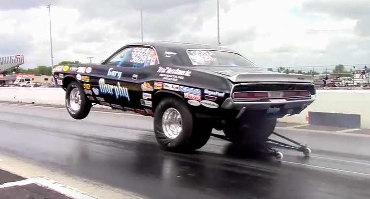 hemi powered dodge challenger wheelstanding video