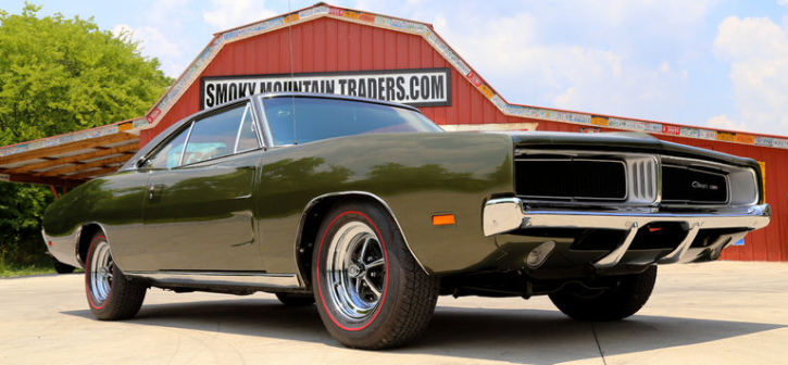 dark green poly 1969 dodge charger se