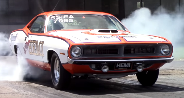 plymouth cuda 440 drag racing