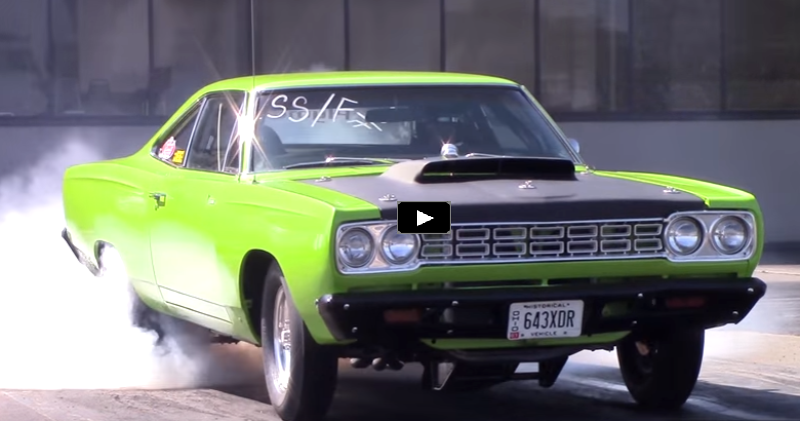 plymouth road runner drag racing at chrysler power classic