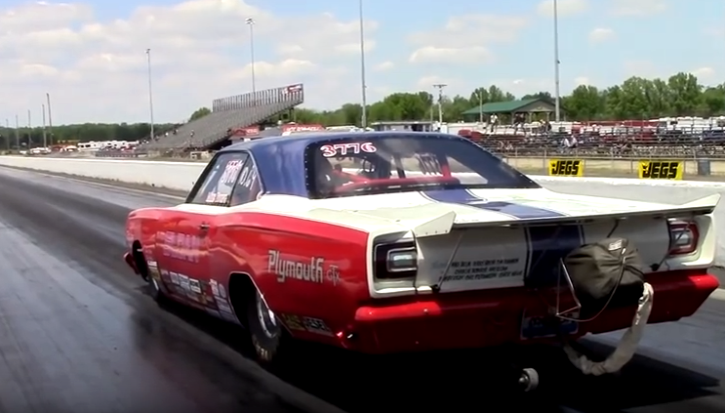 b1 headed plymouth gtx big block drag racing