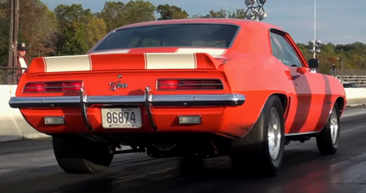 old school z28 camaro drag racing