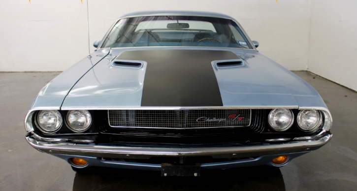 light blue 1970 dodge challenger 440 six pack