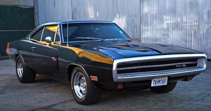 black 1970 dodge charger r/t se