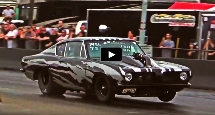 plymouth barracudas drag racing