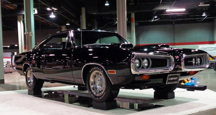 black dodge coronet 440 six pack