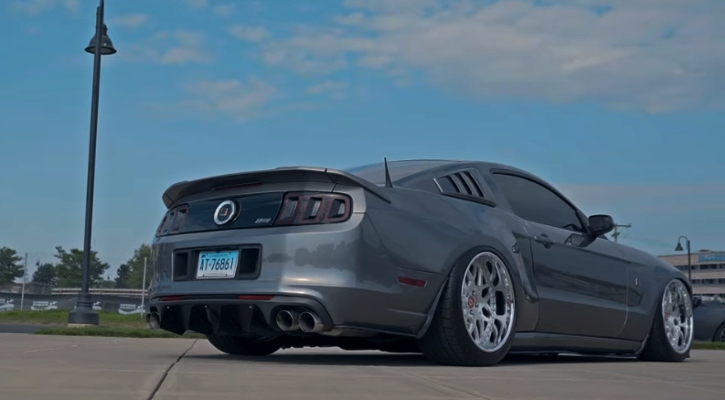 widebody ford mustang s197