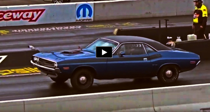 dodge challenger rt four speed drag racing