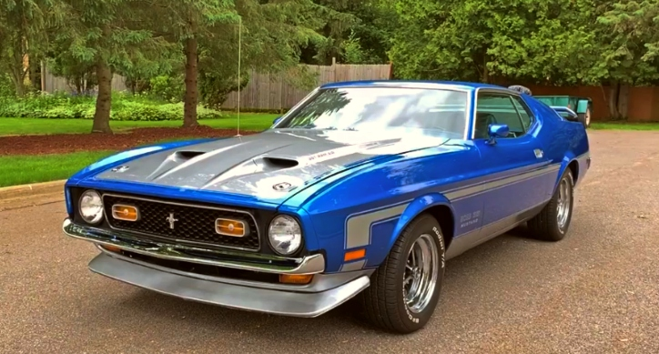 bright blue 1971 ford mustang boss 351