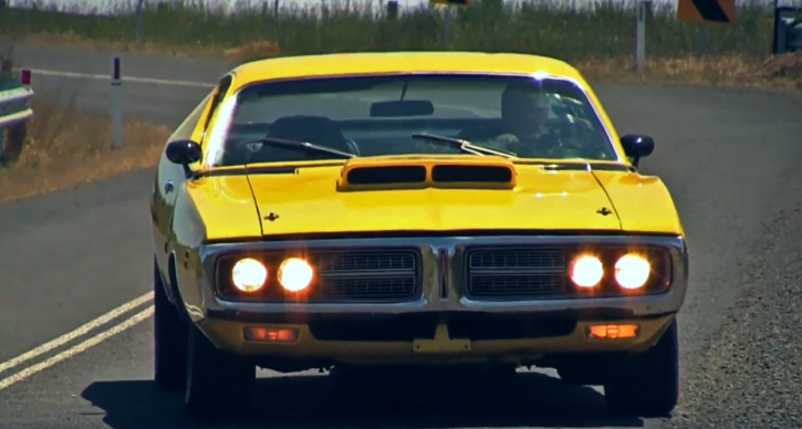 1971 dodge charger r/t 440 video