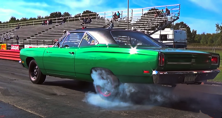 road runner 440 vs chevelle 396 drag racing