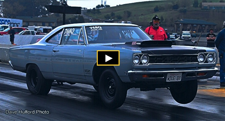 1968 plymouth road runner wedge drag racing