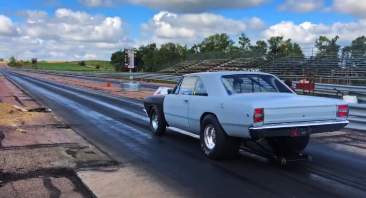 LO23 1968 dodge dart drag racing