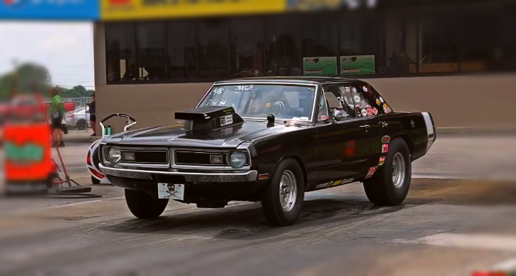 a body dodge dart drag racing