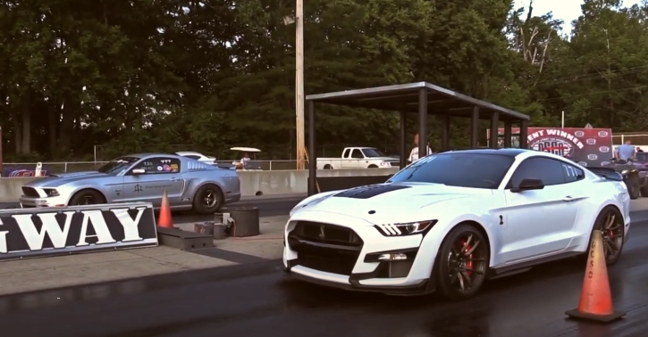 new shelby gt500 mustang drag racing
