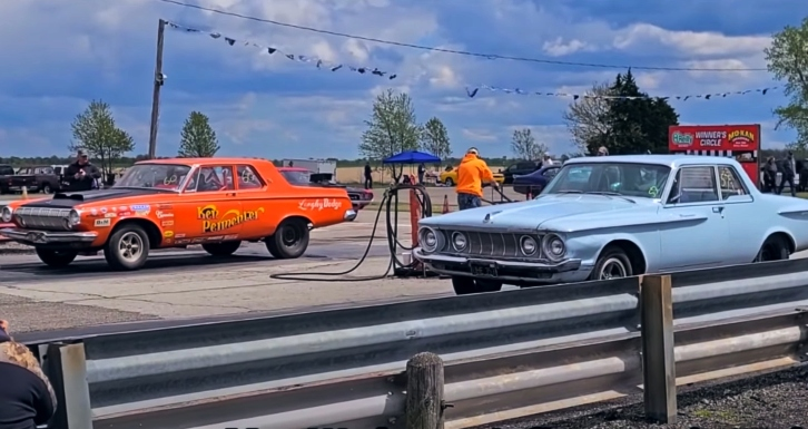 early b-body max wedge mopars drag racing