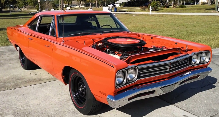 a12 plymouth road runner in tor red